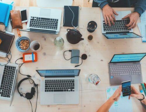 Waarom met een freelancers werken? Bloovi geeft redenen om dit te doen.